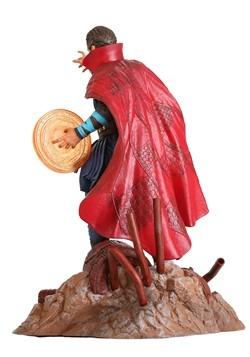 Avengers 3 Marvel Gallery Dr. Strange PVC Statue Alt1
