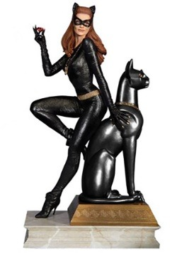 Batman 1966 TV Series Catwoman Ruby Version Maquette Diorama