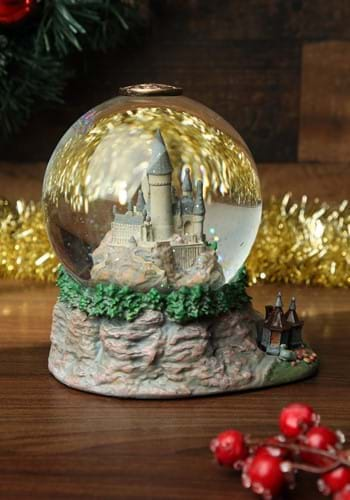 Hogwarts Castle Snow Globe
