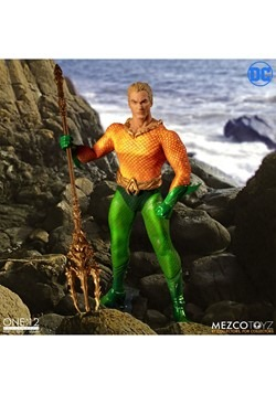 The One:12 Collective Aquaman Action Figure Alt 2