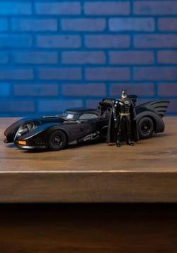 Batman '89 Batmobile 1:24 Scale Model w/ Figure