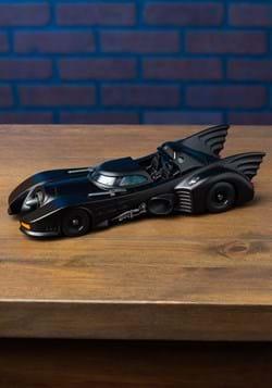 Batman '89 Batmobile 1:24 Scale Model w/ Figure Alt 3