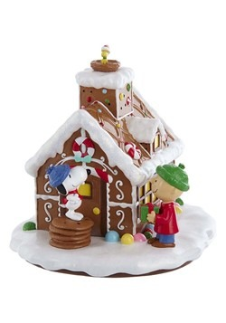 Peanuts Gingerbread House Tablepiece Alt 1