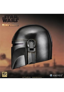 STAR WARS The Mandalorian Collector's Helmet Alt 1