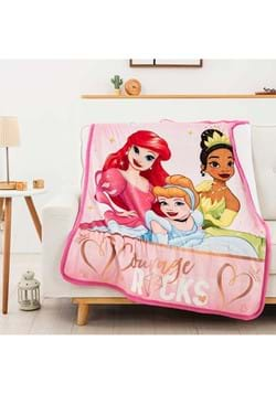 "Disney Princess Rocking Princesses 40""x50"" Blanket"